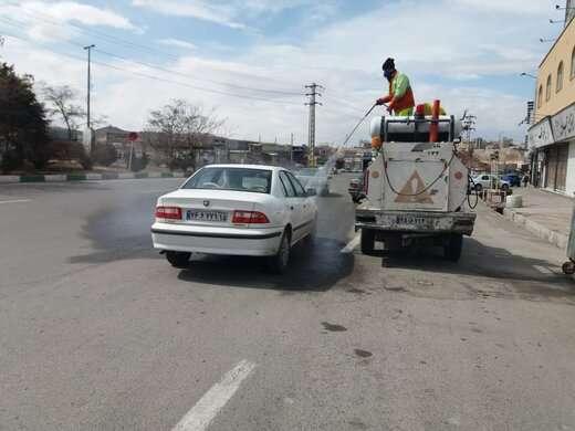 ضد عفونی خودروها در میدان بسیج توسط شهرداری منطقه ۵ تبریز