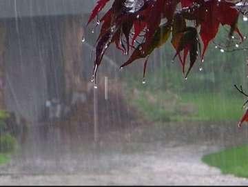 پیشبینی بارش پراکنده برای فردا در شرق کشور/ احتمال بارش تگرگ در پنج استان/ آبهای جنوبی کشور شنبه مواج و متلاطم خواهند بود