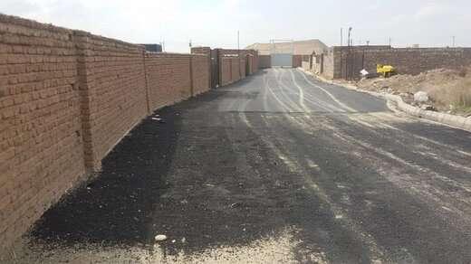 تداوم اجرای عملیات زیرسازی و آسفالت ریزی در شهرداری منطقه ۶ تبریز