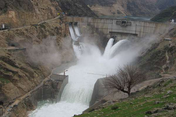 کنترل جریانهای ورودی آب توسط سدهای خوزستان