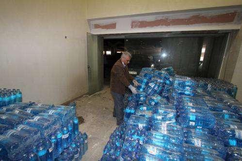 توزیع ۳۰هزار لیتر محلول ضدعفونی کننده در بین ساکنان محلات کم برخوردار