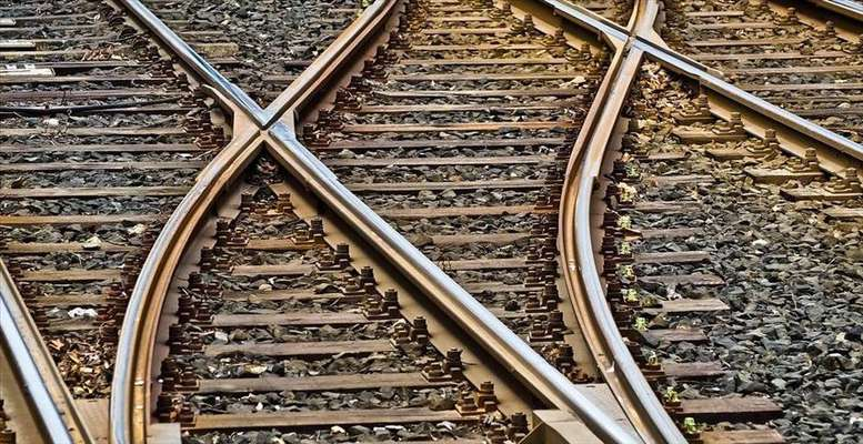 """قطار ایرانی روی ریلهای ساخت داخل / """"جهش تولید"""" وابستگی تجهیزات ریلی را از بین میبرد"""