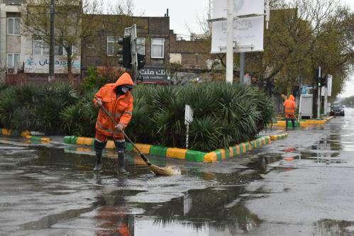 با توجه به بارش پیش رو ۵ نقطه از شهر دچار تجمع آب شد