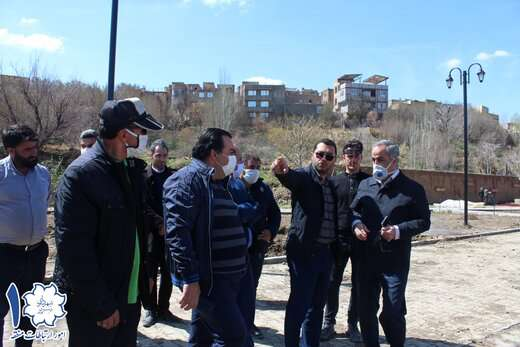استقرار دفترکار شهردار منطقه ۱ تبریز در بوستان بزرگ سلامت