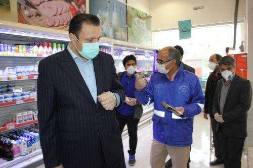 بازدید از رعایت پروتکل های مربوطه و توزیع پک های بهداشتی در بین اصناف  ...