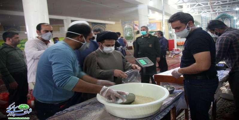 بازدید جمعی از مسئولین شهرستان مبارکه از مراحل تهیه و آمادهسازی بیش از 200 سبد کالای حمایتی توسط هیئات مذهبی شهرستان …