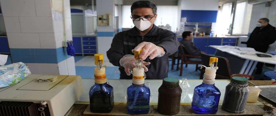 آماده سازی محلول ضدعفونی کننده آب ژاول و آب اکسیژنه در نیروگاه حرارتی تبریز
