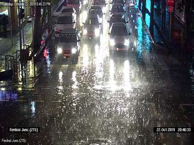 کنترل آبگرفتگي تقاطع هاي سطح شهر توسط دوربین های مرکز کنترل ترافیک شهرداری قزوین