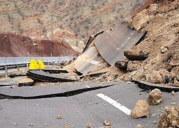 خسارت ریزش سنگ در جاده سوادکوه ۱۱۰ میلیون تومان برآورد شد
