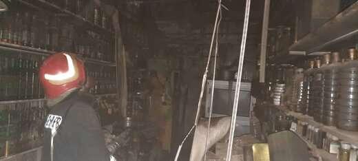 آتش سوزی مغازه ای در بازار صفی اطفاء حریق شد