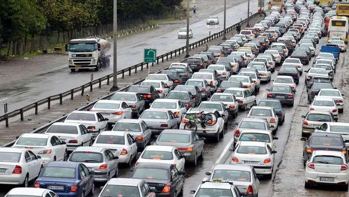 تردد در محورهای برون شهری ۴.۲ درصد کاهش یافت