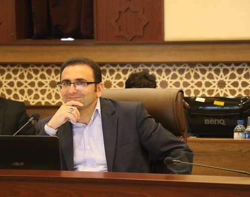 رئیس کمیسیون سلامت شورای شهر شیراز: شهرداری میادین میوه و ترهبار را به سیستم فاضلاب شهری متصل کند
