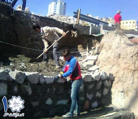 اجرای پروژه دیوار حائل سنگی در خیابان استاندارد جهت استحکام خیابان