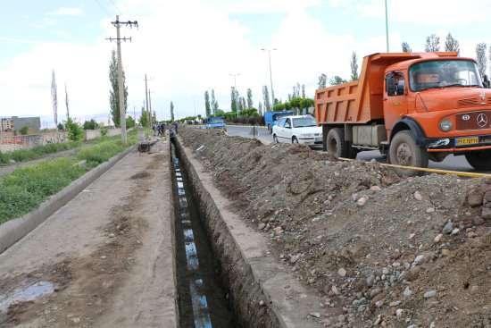 اصلاح و توسعه بيش از 21 كيلومتر از شبكه آب و فاضلاب در خوی