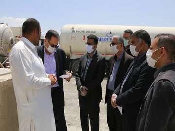 مرز پاکستان برای عبور کامیونهای حامل کالا در میرجاوه همچنان بسته است