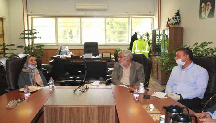 رئیس شورای شهر شیراز در بازدید از شهرداری منطقه یک: خدمات شهرداری باید سریع، آسان و کمهزینه باشد