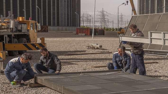 تعمیرات رادیاتورهای برج خنک کن اصلی نیروگاه حرارتی شازند