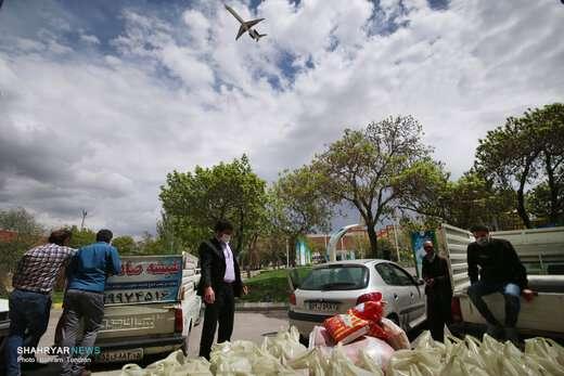 توزیع بستههای معیشتی پویش رحمت در بین آسیب دیدگان اقتصادی ناشی از کرونا