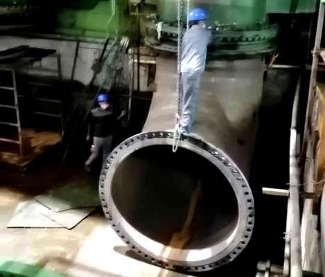 ترمیم مسیرهای ورودی و خروجی آب دریا به کندانسور واحد 3 بخار نیروگاه بندرعباس