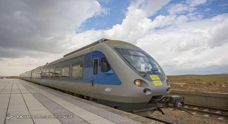 مسافران در بدو ورود به ایستگاههای قطار غربالگری میشوند