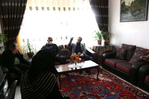 شهردار منطقه ۷ از بانوی ساکن شهرک اندیشه دلجویی کرد