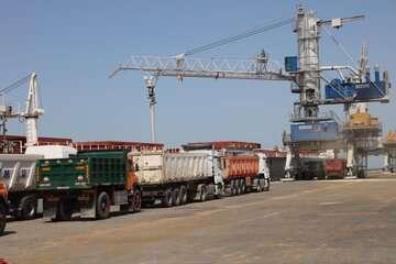 نخستین محموله گندم اهدایی هند از طریق چابهار به افغانستان رسید
