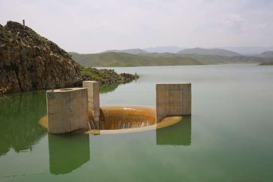 سد طرق بعد از 21 سال سرریز شد/ آب ذخیره شده پشت سدها به بیش از...