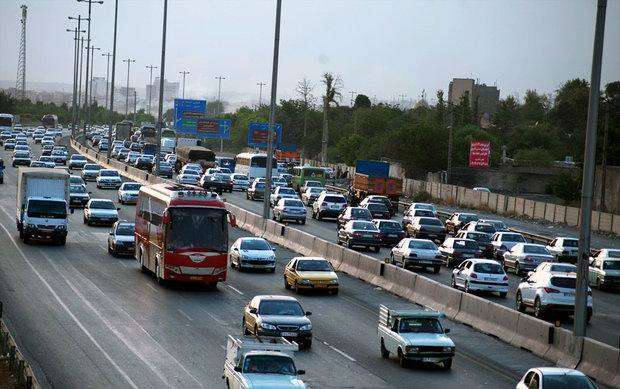 تردد بین جادهای ۴ درصد افزایش یافت