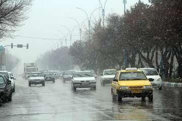بارش باران در جادههای هشت استان کشور