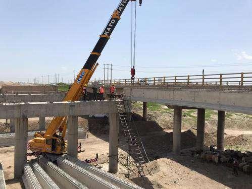 اجرای عملیات تیرگذاری تقاطع غیرهمسطح  پروژه ۷۵ متری رضوی