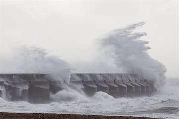 تداوم بارشها تا روز جمعه در کشور/ خلیجفارس، تنگههرمز و دریایعمان امروز و فردا مواج است