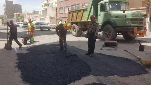 تداوم عملیات لکه گیری معابر توسط معاونت خدمات شهری شهرداری منطقه ۳ تبریز