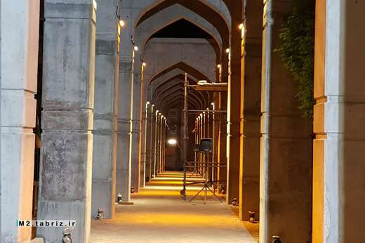 اجرای نورپردازی پروژه فاز ۲ مسقف سازی گلزار شهدا