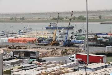 صادرات اولین محموله کانتینری از بندر آبادان به کشورهای حاشیه خلیج فارس