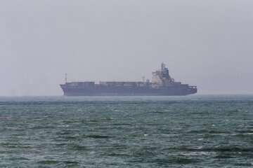 بدنه کشتی ایرانی در تنگه سنگاپور آسیب دیده است