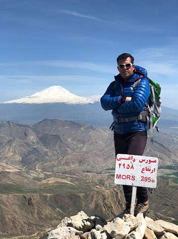 صعود همکار امور آبفای ماکو به قله مورس