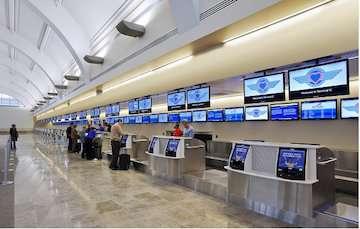 برنامه ریزی برای بهره برداری سامانه پذیرش اشتراکی مسافر در فرودگاههای کشور/ تکمیل زیرساختها و فیبر نوری فرودگاهها در سال جاری