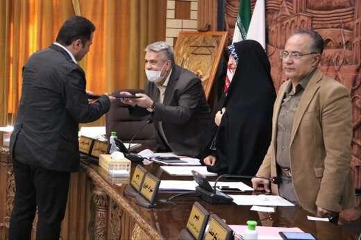 قدردانی از مدیرکل ارتباطات و امور بین الملل شهرداری تبریز در جلسه علنی شورای شهر