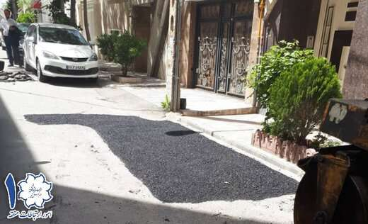 اجرای ۱۵ تن آسفالت ریزی در طرح لکه گیری مسیر خیابان استاد شهریار کوچه نرگس و بهنام
