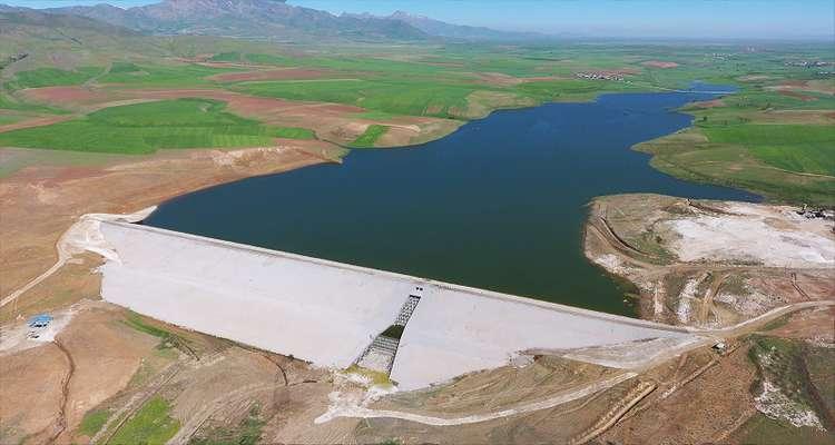 سد نعمت آباد تکمیل شده و برای فصل تابستان آماده افتتاح است