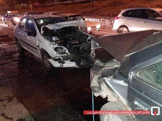 تصادف دو دستگاه خودرو در خروجی ارم، دو مصدوم بر جای گذاشت