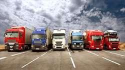آخرین وضعیت ترانزیت کالا در مرزهای کشور/کاهش تعداد کامیونهای مانده در پشت مرز میرجاوه