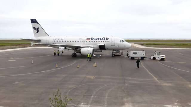 ورود ایرباس ۳۱۹ پس از ۵۲ سال به فرودگاه رامسر