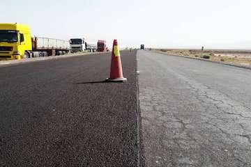 آغاز اصلاح کیفی رویه آسفالت ۴۵۰ کیلومتر راه در جنوب سیستان و بلوچستان/ بخش عمده راههای روستایی در جنوب استان قرار دارد