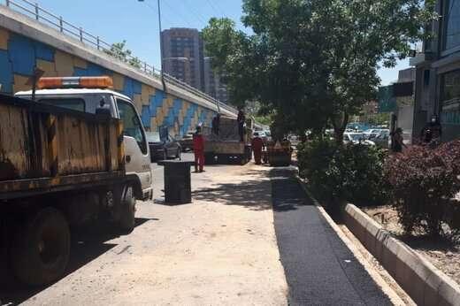 عملیات آسفالت و لکه گیری به میزان ۹۰ تن در خیابان اصلی شهدا و فخرنیا و پل توانیر