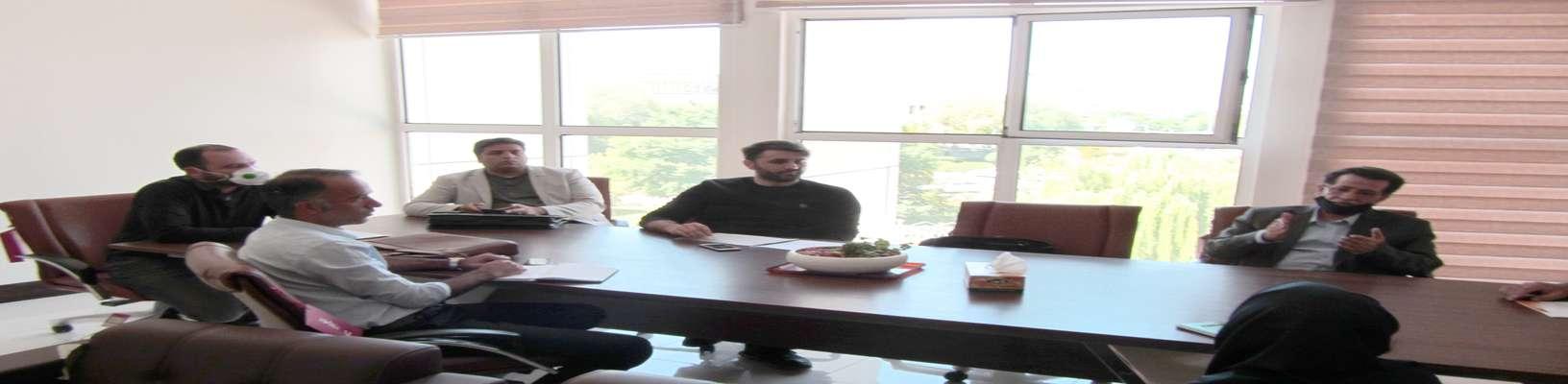 جلسه فیمابین اعضای هیئت مدیره با سرکار خانم مهندس احمدپور مدیر محترم نظام فنی و اجرایی