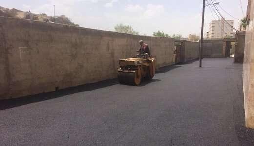 اجرای ۴۰ تن آسفالت ریزی در مسیر کوچه میرهادی واقع در بیلانکوه