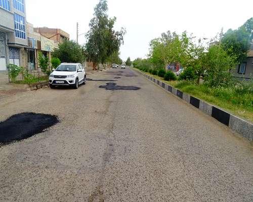 اجرای طرح لکه گیری و ترمیم آسفالت معابر خیابان شهدا و بلوار غدیر