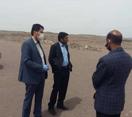 بازدید شهردار بم و رئیس محیط زیست از محل دفن زباله ها
