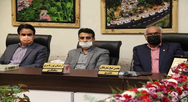 تجلیل از استادان و معلمان نمونه در شورای شهر لاهیجان